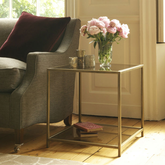hotel-furniture-2015-trends-top-5-glass-side-table-1  Side Table Design Ideas for Luxury Hotel Hotel Furniture 2015 Trends Top 5 Glass Side Table 1