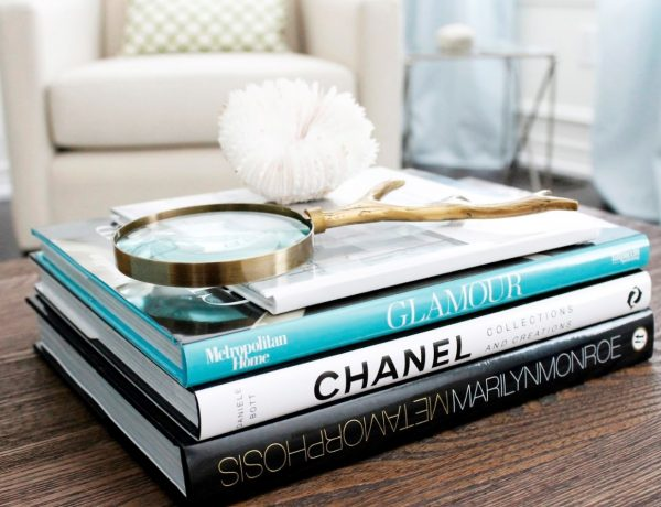 10 Stylish Ideas About What To Put On Your Coffee and Side Tables 7fa67cc7e013372efe86758b28f44433 1 1 600x460