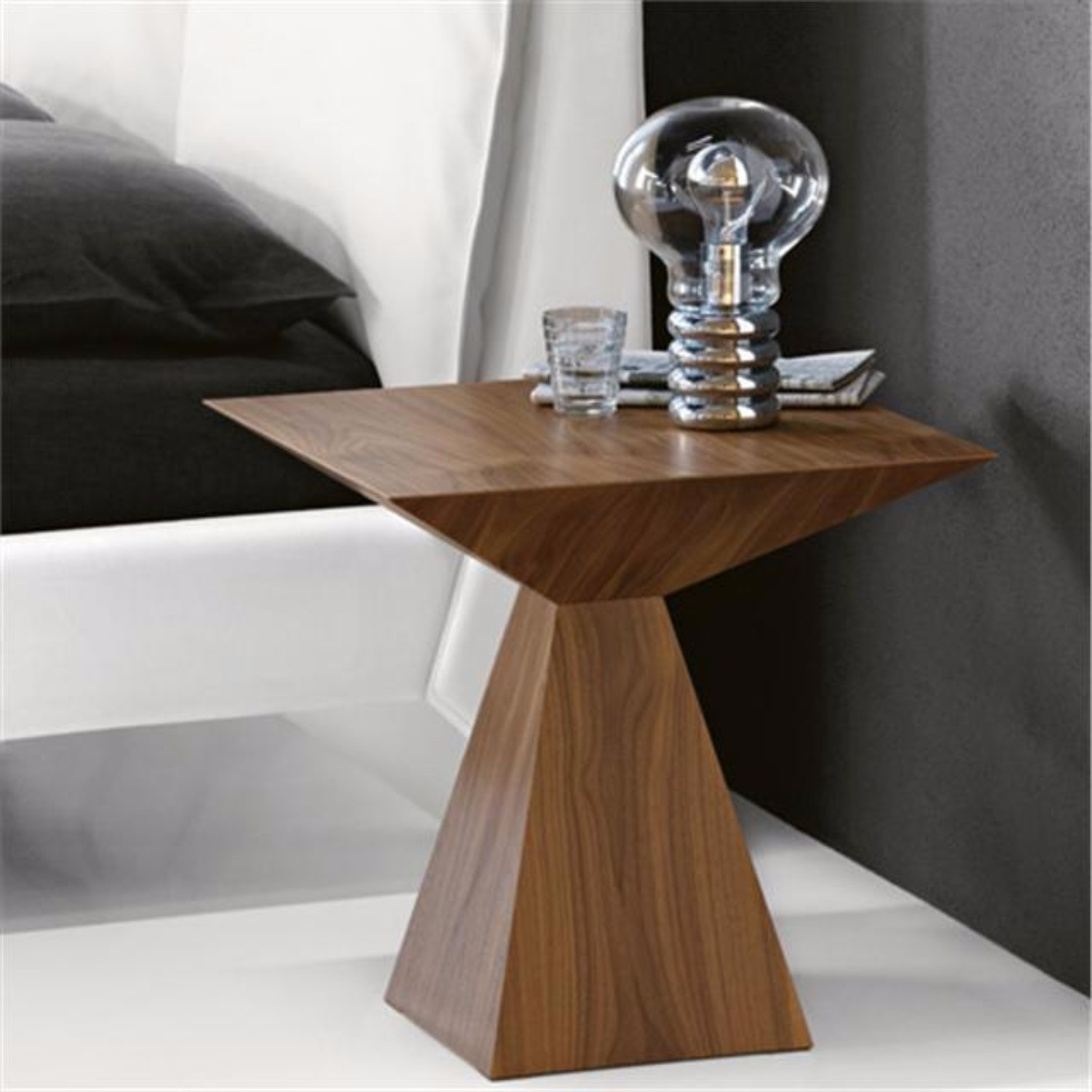 modern side table 10 striking italian side tables coffee amp side tables 31542