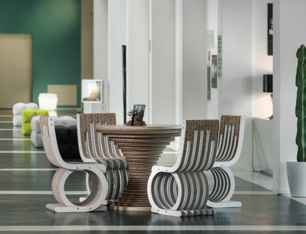 10 Striking Italian Side Tables italian furniture 1 600x460