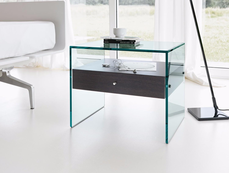 10 Striking Italian Side Tables side table 4