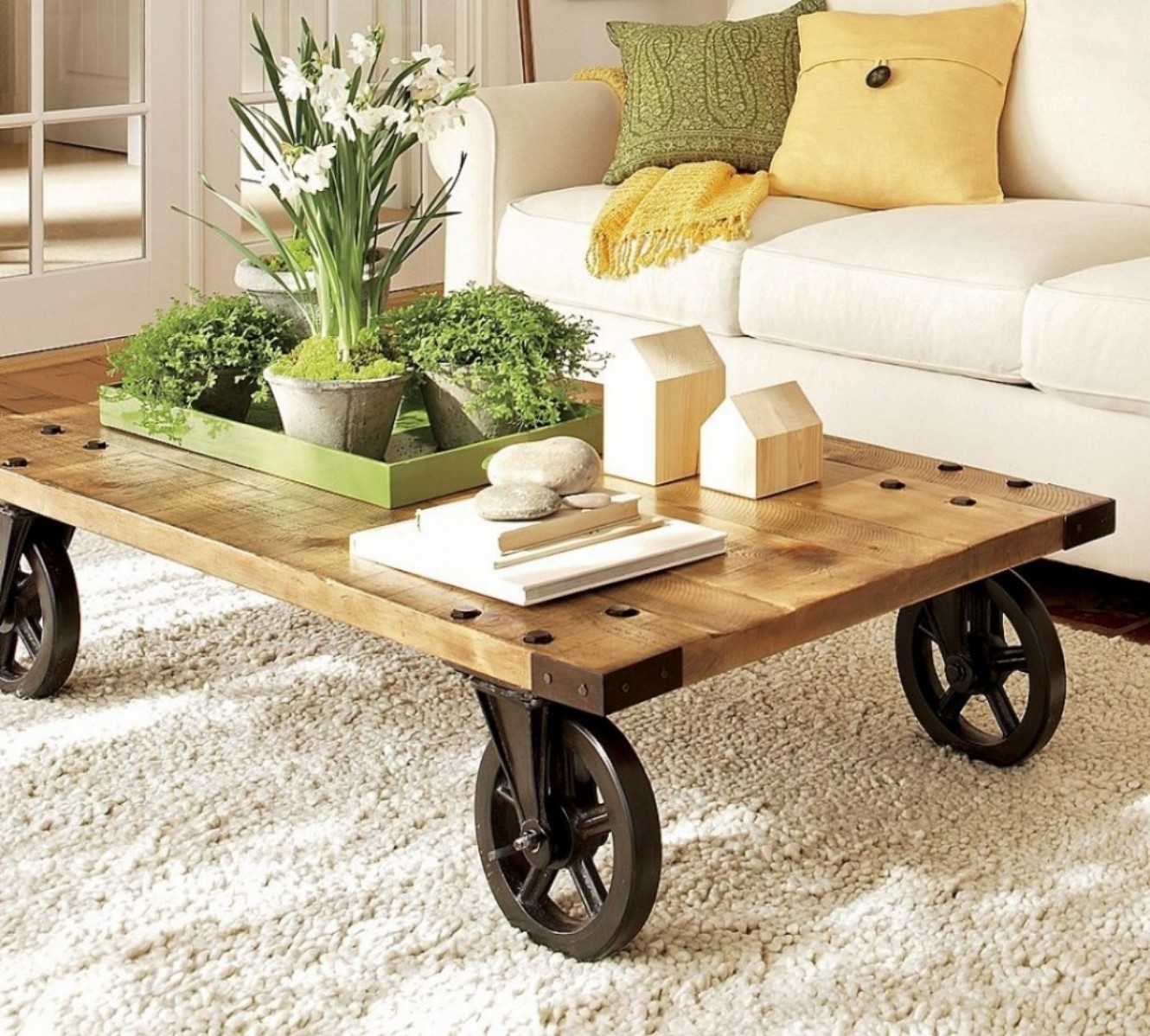 12 Modern Coffee And Side Tables With Wheels