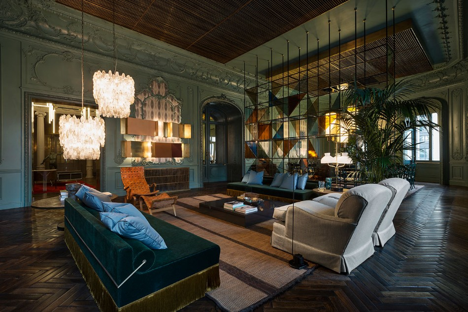 Stunning Living Room Inspirations By Top Interior Designers | www.bocadolobo.com #interiordesigners #famousinteriordesigners #coffeeandsidetables #livingroom
