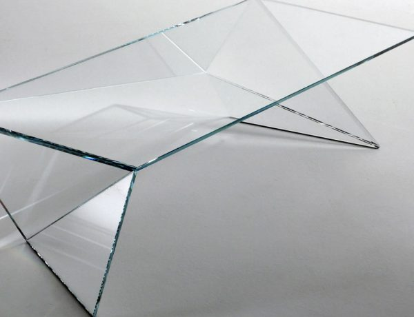 center tables Magnificent 10 Glass Center Tables That Will Amaze You Magnificent 10 Glass Center Tables That Will Amaze You 600x460