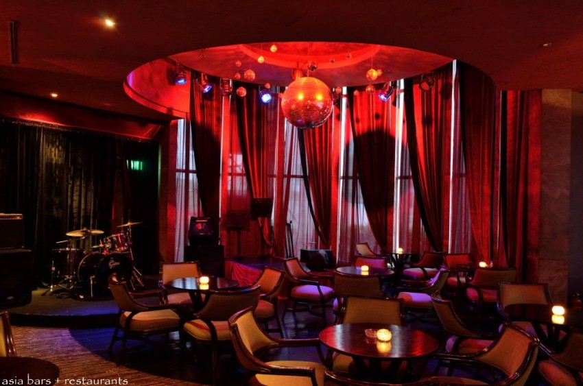 Astonishing Living Room Design By HBA Dubai 5