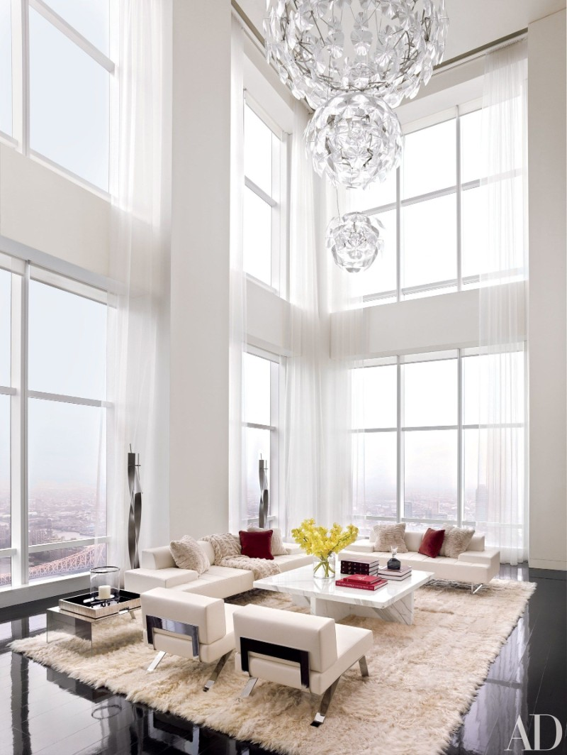 How a Luxury Chandelier Can Elevate Your Living Room Decor luxury chandelier How a Luxury Chandelier Can Elevate Your Living Room Decor How a Luxury Chandelier Can Elevate Your Living Room Decor 5